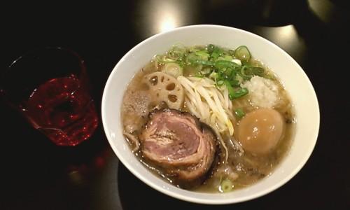 特煮干塩らぁ麺 950円